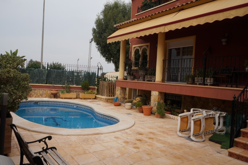 Ref:CGP JLM2211 Detached House / Villa For Sale in Almoradí