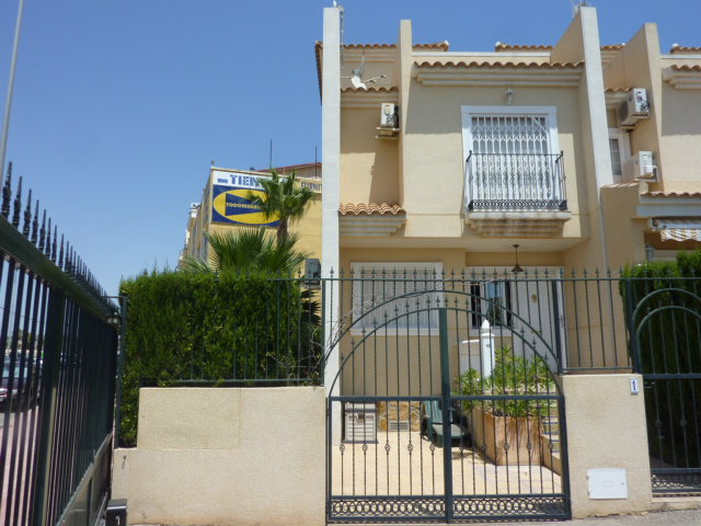 Ref:CGP JLMR4133 Townhouse For Sale in Guardamar del Segura