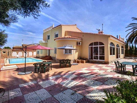 6 bedroom house / villa for sale in Torrevieja, Costa Blanca
