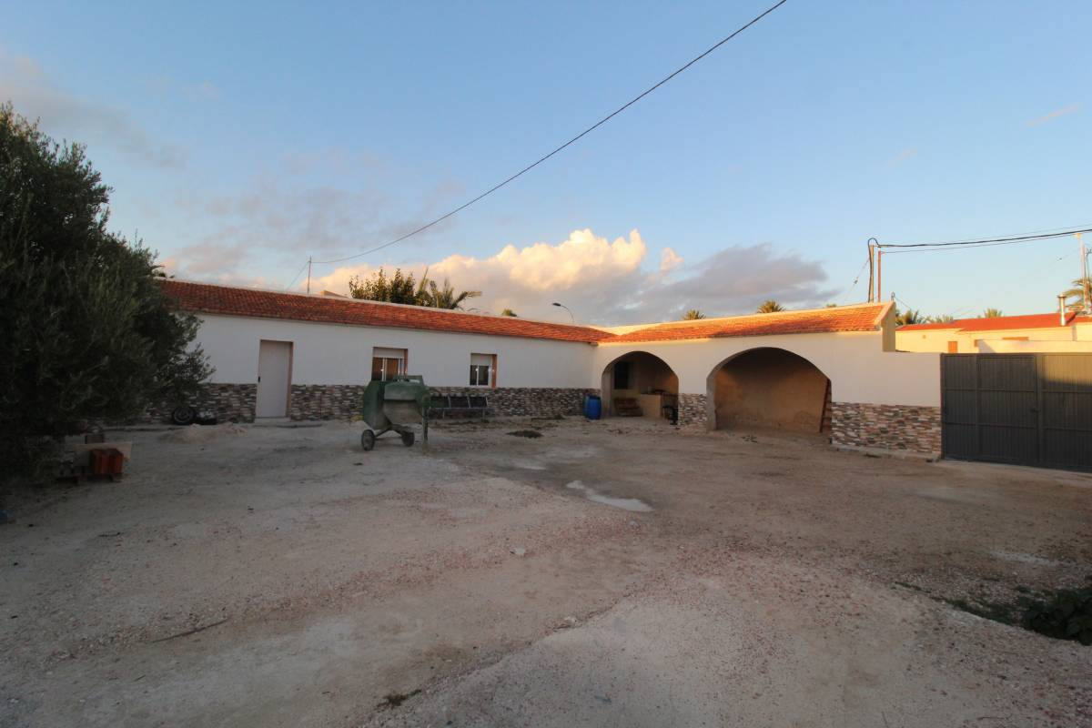 For sale: 8 bedroom finca in Crevillente, Costa Blanca